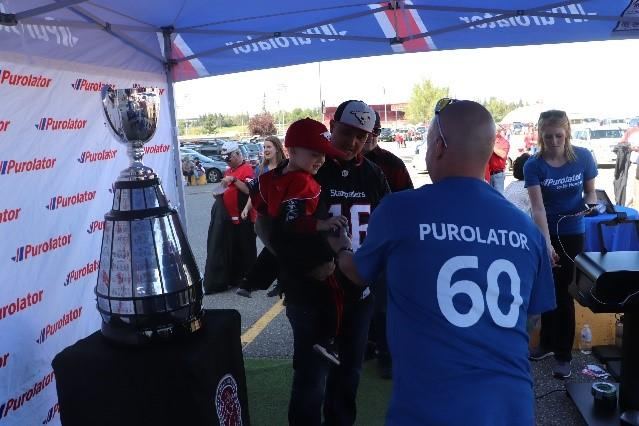 Stampeder fans with the Grey Cup